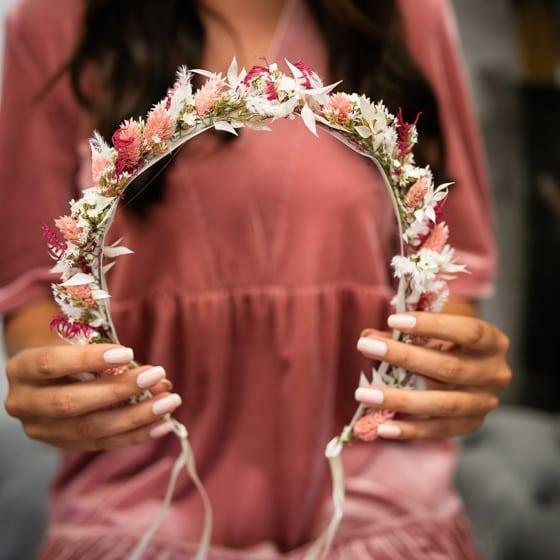 Dry_Flower_Haarkanz_Flowercrown_Headpiece_rosa_weiss_white_Medium (13)