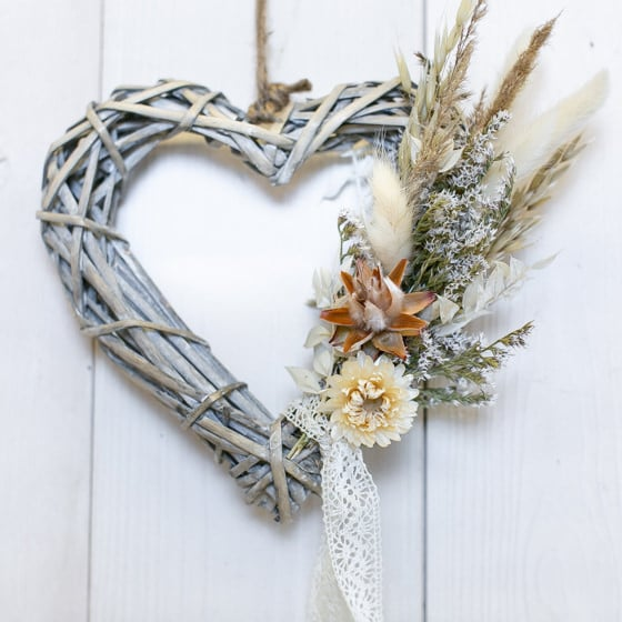 Dry_Flowers_Herz_Rattan_grau_Natur_Geschenk (2)