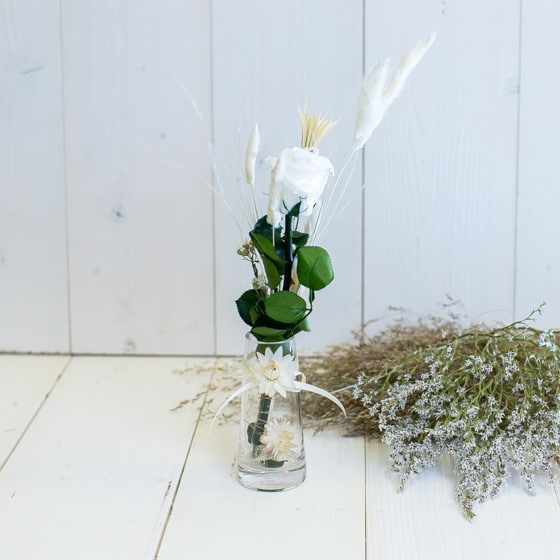 Dry_Flowers_Rose_In_Vase_Haltbar_Stabilisiert (1)